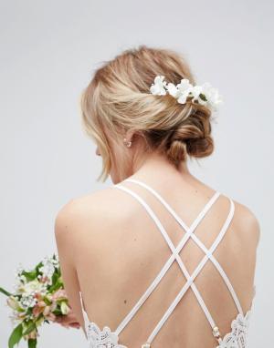 ASOS Заколка для волос с цветами DESIGN. Цвет: белый
