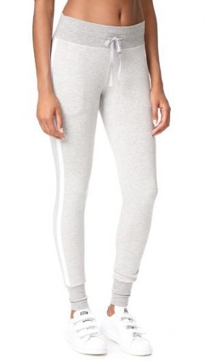 Спортивные брюки Racing Heroine Sport. Цвет: серый/белый