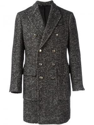Двубортное пальто в елочку Hevo. Цвет: чёрный