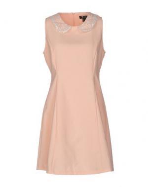 Короткое платье CUTIE. Цвет: лососево-розовый