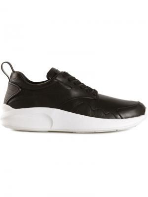 Кроссовки с контрастной подошвой Article No.. Цвет: чёрный