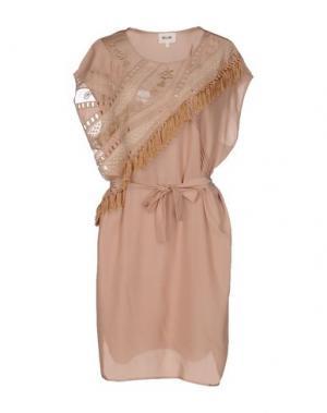 Короткое платье BELAIR. Цвет: бежевый
