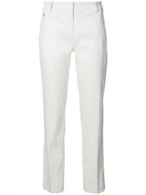 Полосатые строгие брюки Elie Tahari. Цвет: белый