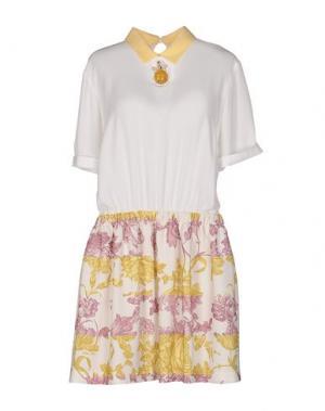 Короткое платье BETTY BLUE. Цвет: белый