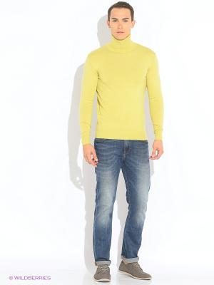 Свитер MAER. Цвет: желтый