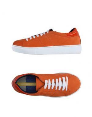 Низкие кеды и кроссовки GIANMARCO LORENZI. Цвет: оранжевый