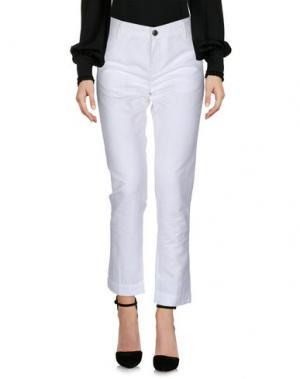 Повседневные брюки FRED PERRY. Цвет: белый