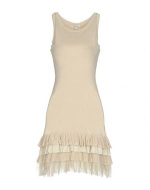 Короткое платье LIST. Цвет: бежевый