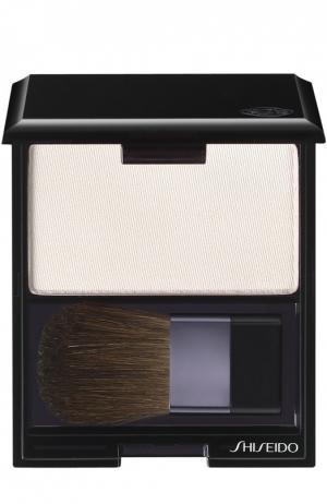 Румяна с шелковистой текстурой и эффектом сияния WT905 Shiseido. Цвет: бесцветный