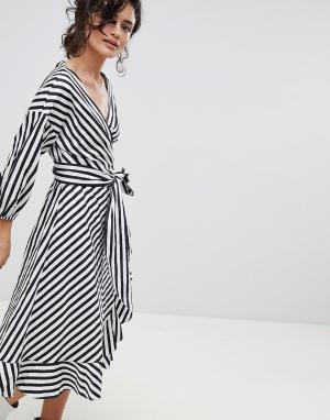Gestuz Платье в полоску с запахом. Цвет: мульти