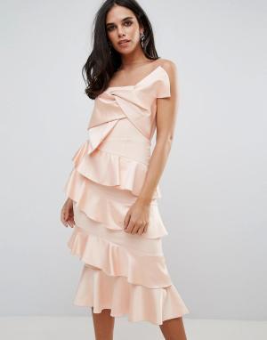 Forever Unique Платье миди с оборкой и бантом. Цвет: розовый