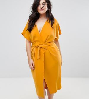 Closet London Plus Платье-футляр с запахом и поясом. Цвет: желтый