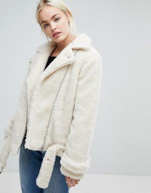 J.O.A Байкерская куртка из искусственной овечьей шерсти. Цвет: кремовый