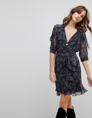 BA&SH Платье с принтом и запахом. Цвет: синий