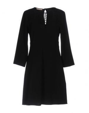 Короткое платье KARTIKA. Цвет: черный
