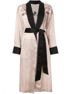 Пальто-халат с цветочной вышивкой G.V.G.V.. Цвет: коричневый