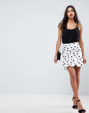 ASOS Мини-юбка в горошек с завышенной талией. Цвет: белый