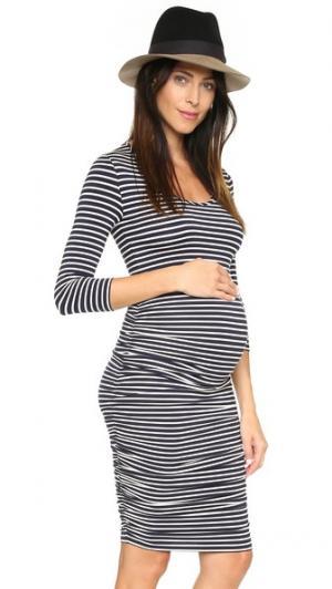Платье для беременных в полоску Ingrid & Isabel. Цвет: темно-синий/кремовая полоска