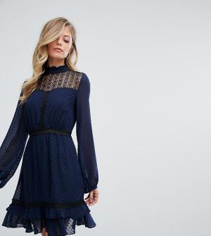 Dark Pink Короткое приталенное платье с кружевной отделкой и длинными рукавами D. Цвет: темно-синий