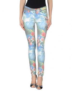 Джинсовые брюки REIKO. Цвет: зеленый