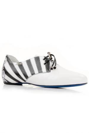 Туфли в полоску Loriblu. Цвет: белый