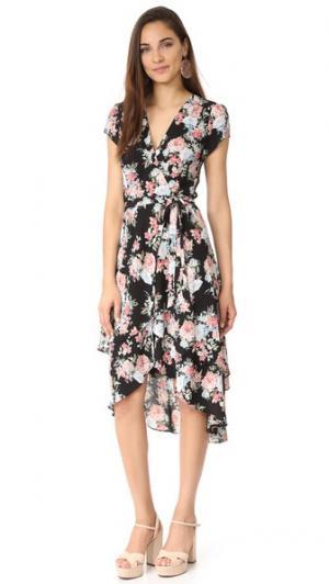 Многослойное платье-халат Oleander WAYF. Цвет: черный, букет