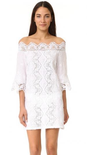 Кружевное платье с открытыми плечами Temptation Positano. Цвет: белый