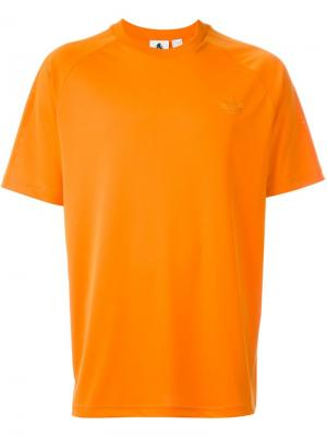 Футболка Adidas Originals X Palace. Цвет: жёлтый и оранжевый