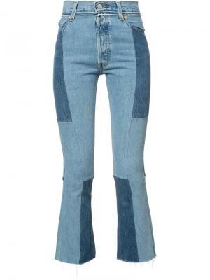 Укороченные лоскутные джинсы Re/Done. Цвет: синий