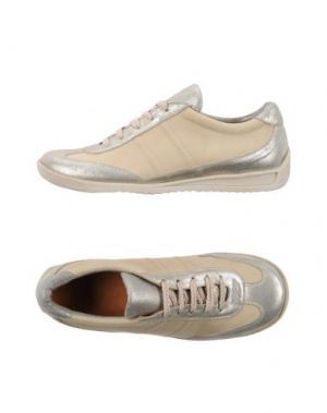 Низкие кеды и кроссовки MARC JACOBS. Цвет: бежевый