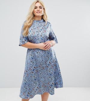Alice & You Платье миди с винтажным принтом и высоким воротником. Цвет: синий