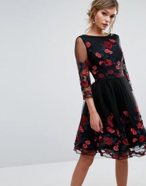 Chi London Платье для выпускного с длинными рукавами и цветочной вышивкой. Цвет: черный