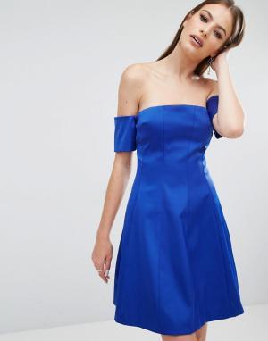 Kendall + Kylie Платье со вставками и открытыми плечами. Цвет: синий