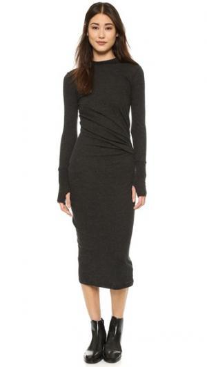 Платье с длинными рукавами и рюшами Enza Costa. Цвет: серый