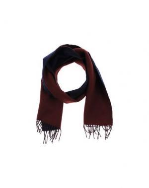 Шарф BEGG & CO. Цвет: красно-коричневый