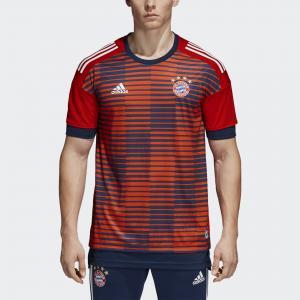 Домашняя предматчевая футболка Бавария Мюнхен  Performance adidas. Цвет: красный