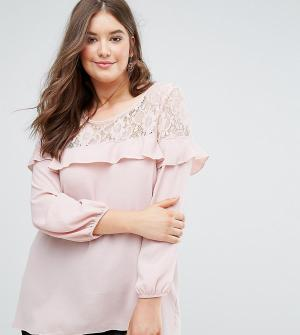 Koko Блузка из крепа с кружевом и оборками. Цвет: розовый