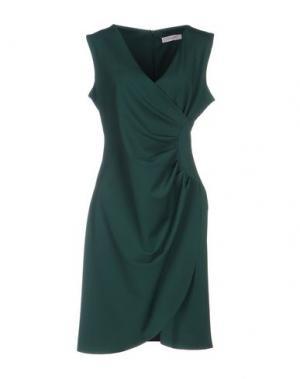 Короткое платье ALFONSO RAY. Цвет: зеленый
