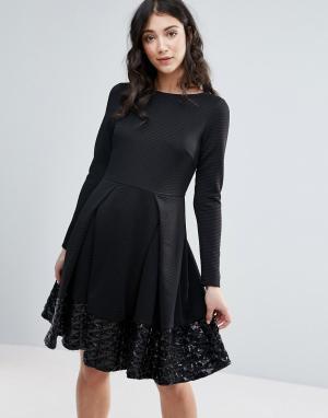 Traffic People Приталенное платье с длинными рукавами и складками. Цвет: черный