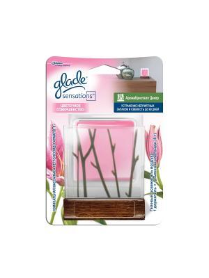 Glade Освежитель воздуха АромаКристалл Декор Цветочное совершенство 8 г. Цвет: розовый