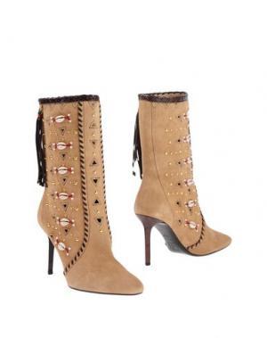 Полусапоги и высокие ботинки TAMARA MELLON. Цвет: песочный