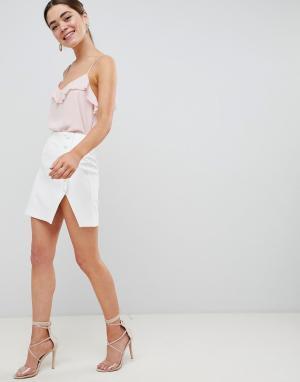ASOS Мини-юбка с разрезом и пуговицей сбоку DESIGN. Цвет: белый