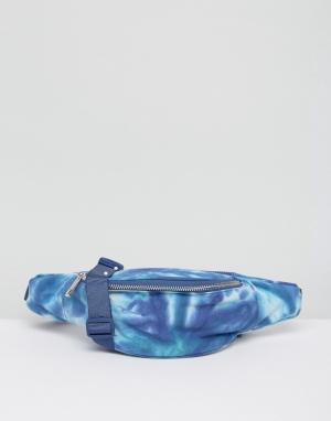 ASOS Сумка-кошелек на пояс с принтом тай-дай BEACH. Цвет: синий