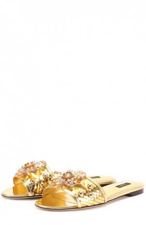 Шлепанцы Bianca из металлизированной кожи с кристаллами Dolce & Gabbana. Цвет: золотой