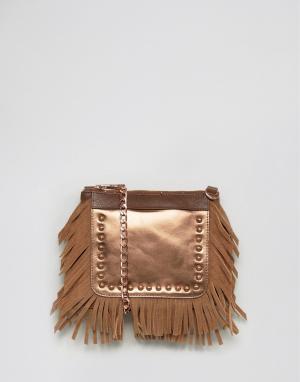 Urbancode Серебристая кожаная фестивальная сумка через плечо с бахромой Urbancod. Цвет: медный