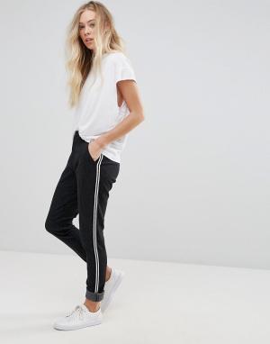 B.Young Широкие брюки со складками. Цвет: черный