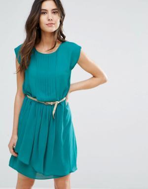 Louche Платье с плиссировкой и поясом Shari. Цвет: зеленый