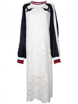 Кружевное платье Sukajan Maison Mihara Yasuhiro. Цвет: белый
