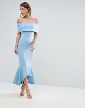 Club L Платье с открытыми плечами и баской. Цвет: синий