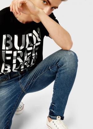 Удлинённая футболка с принтом OSTIN. Цвет: черный